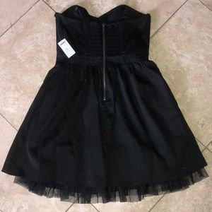 PacSun Dresses - NWT PacSun Black strapless party dress